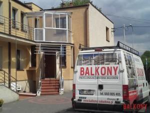 Zabudowa balkonu widok z zewnątrz